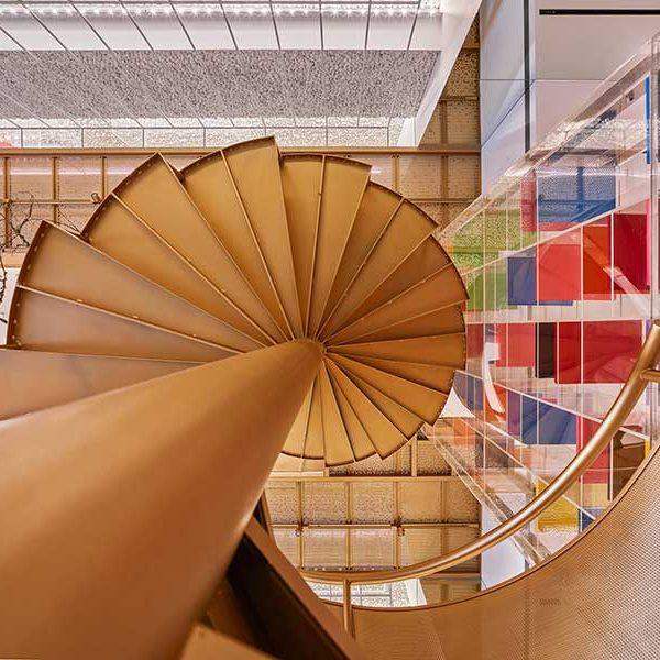 طراحی داروخانه مدرن در 120 متر مربع